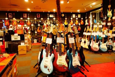 エレキギターは常時150本以上在庫・展示!ベース、Amp、エフェクター類も充実!