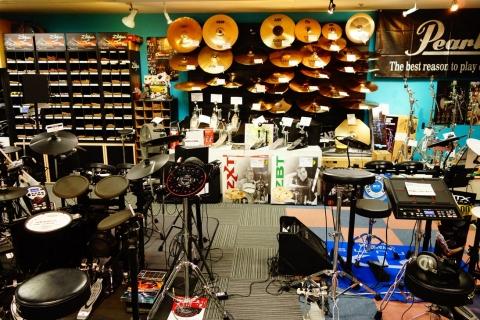 生ドラム・電子ドラム・シンバル・ハードウェア・スティック・パーカッション類。お取り寄せもできます!
