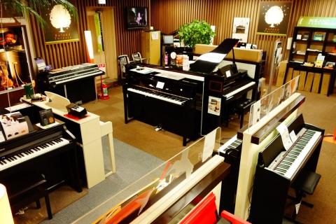 電子ピアノ・Roland Forestaコーナーあり!Roland、YAMAHAなど人気機種を常時展示。配達のご希望へも対応しています!